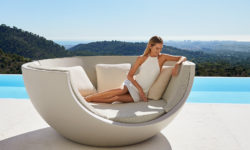 VONDOM_ULM_MOON_DAYBED_OUTDOOR_BED_DESIGN_BALL-4