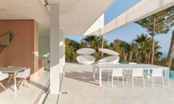 vondom -design-furniture-chairs-tables-daybeds-oslo-house-ramon-esteve-vondom-1