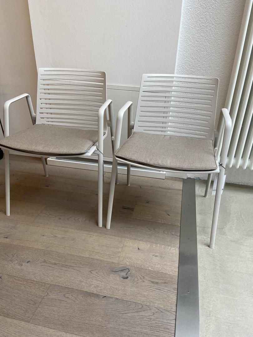 Armlehnstuhl ZEBRA outdoor von Fast inkl. Sitzkissen (2 verfügbar)