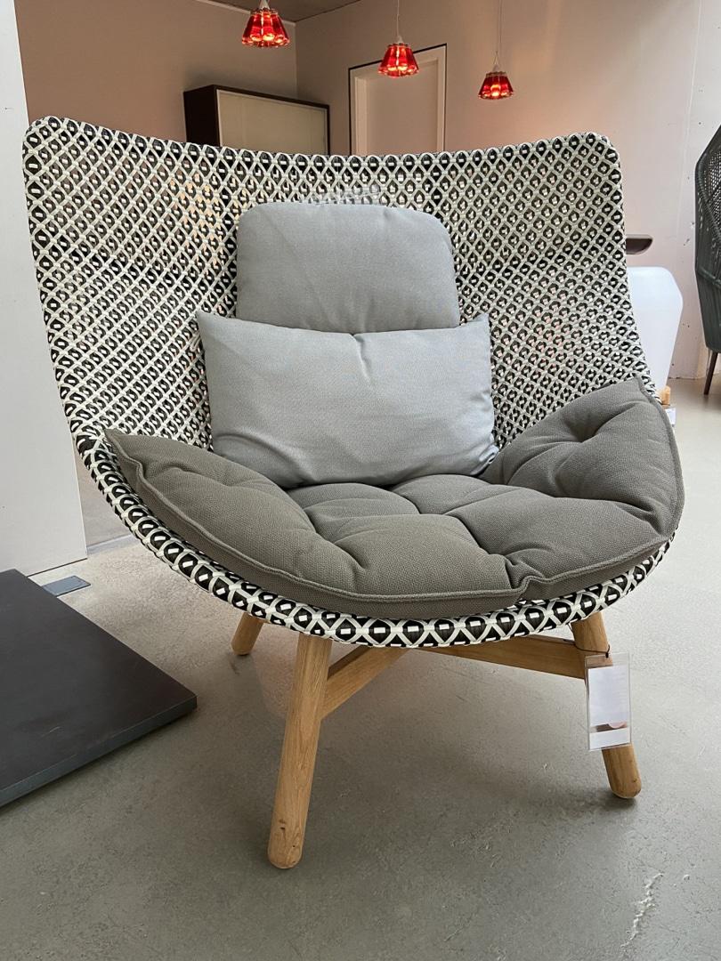 Hochlehner MBRACE Wing Chair outdoor von Dedon