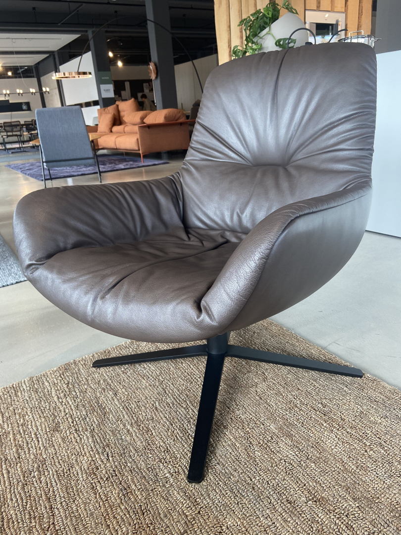 "Freifrau Lounge Chair ""Leya"""